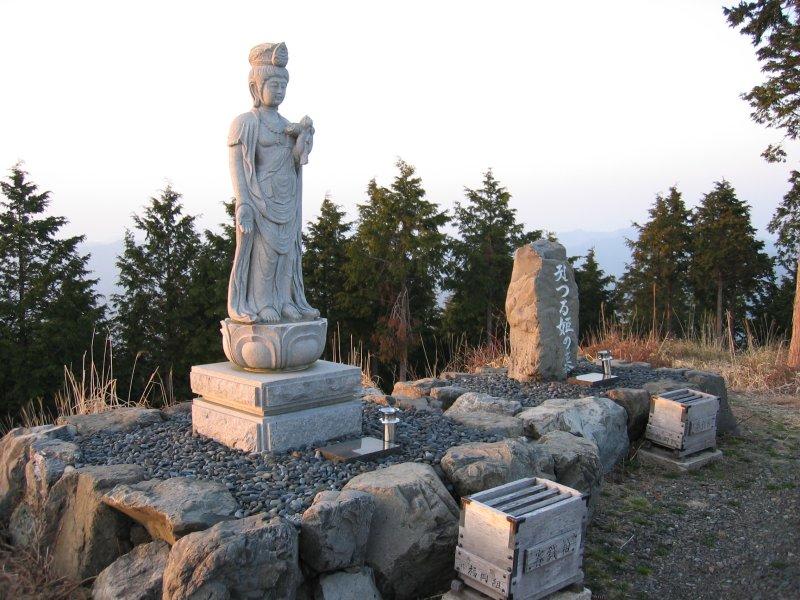 鶴姫のお墓