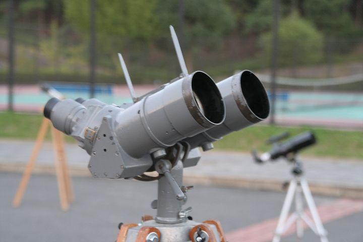 旧海軍の偵察用双眼鏡