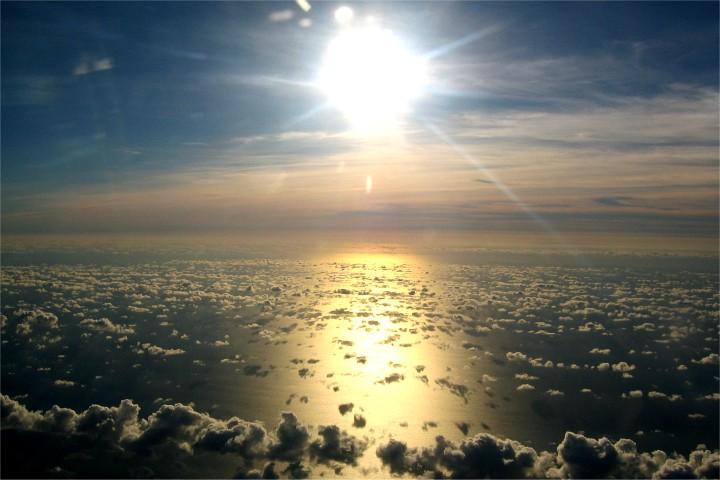 夕日と輝く海