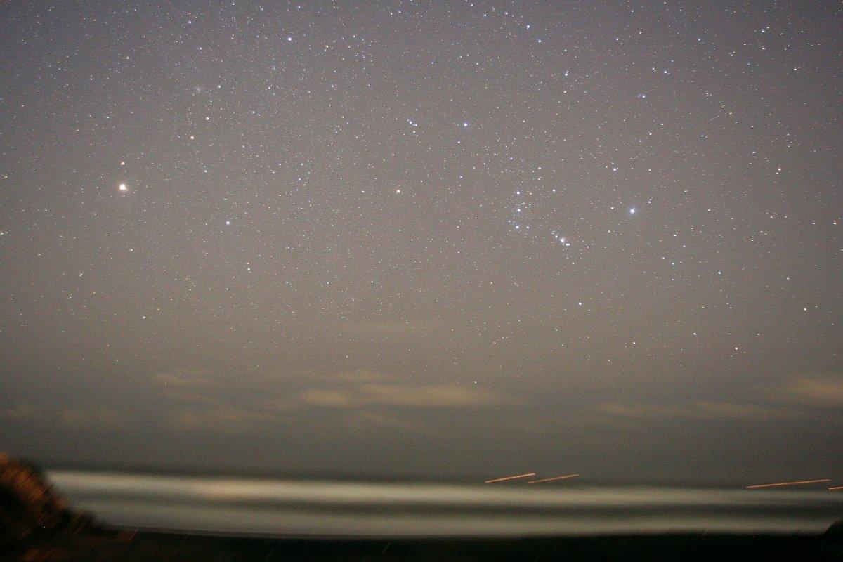 昇る火星とオリオン座