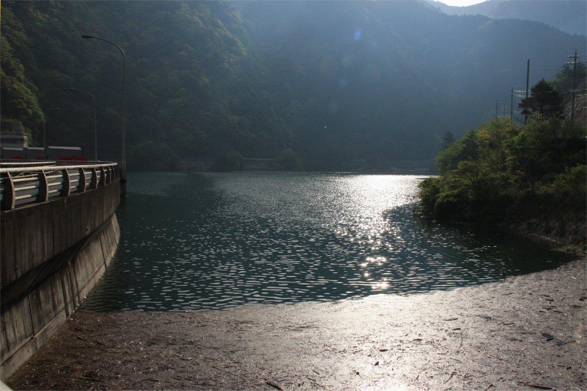 大迫ダムのダム湖
