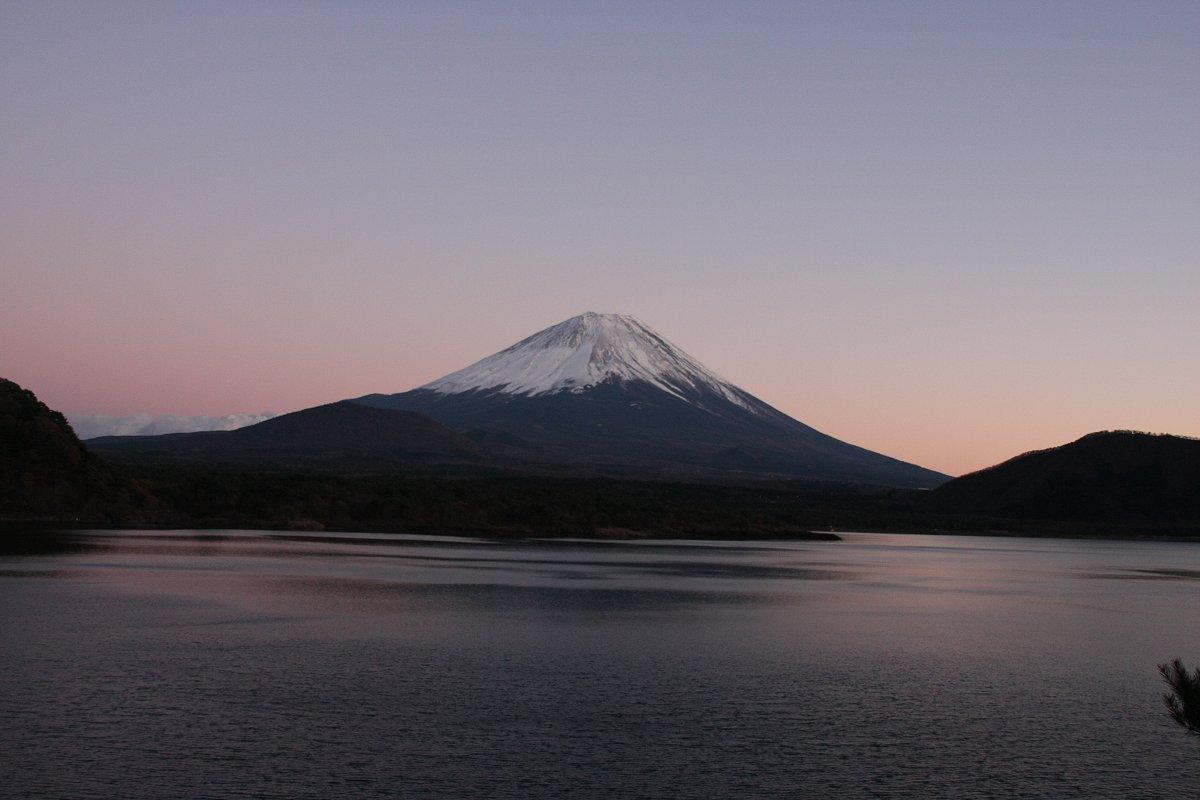 富士と本栖湖