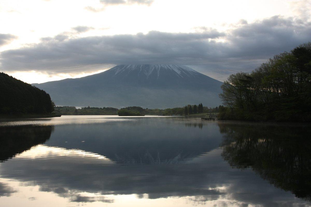 笠を被った富士