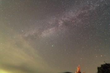 天の川とベルセ群流星