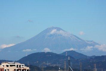 東静岡駅から見た富士山